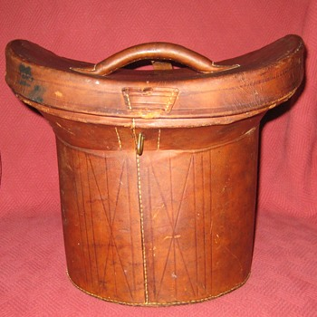 Victorian Leather Top Hat Case