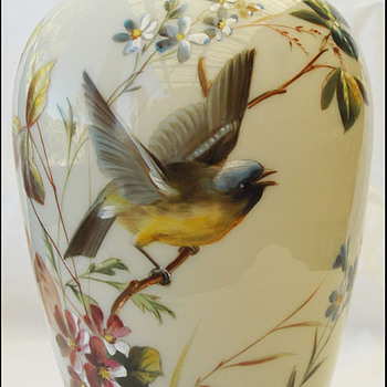 BIG BOHEMIAN HAND PAINTED BIRD VASE ( HARRACH ?)  - Art Glass