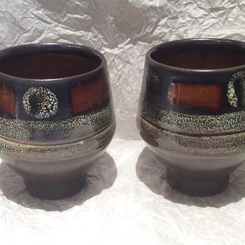 Unusual vintage cups ? - Art Pottery