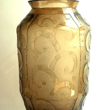 french art deco acid etched glass vase by DAUM NANCY