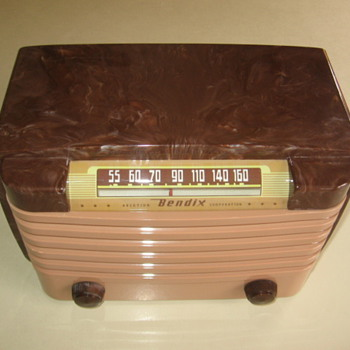 1940's  Plasic Swirl Bendix Tube Radio Model 114 from 1948 - Radios