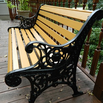 Antique iron and wood park bench - Furniture