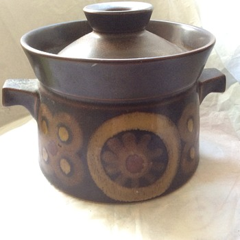 Vintage pot - Art Pottery
