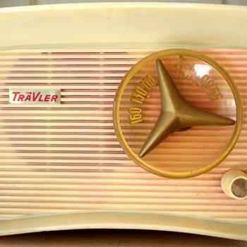 1959 Traveler Model T-201 Radio