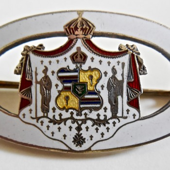 Hawaii Coat of Arms Sterling Pin - Fine Jewelry