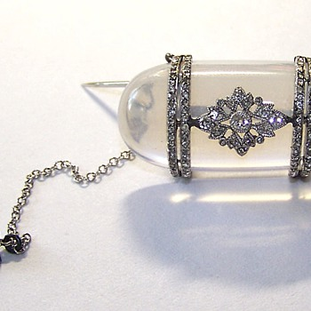 Victorian Keepsake Glass Brooch Displays Mine Cut Diamond Ring