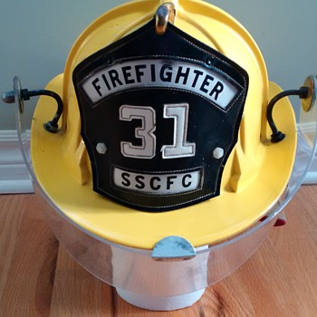 Vintage Cairns & Brother Fire Helmet from 1969 - Model 880
