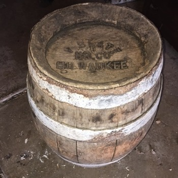 V. Blatz Brewing Company Milwaukee Wooden Beer Keg - Breweriana