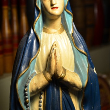 La Virgen de Muchos Dolores - Figurines
