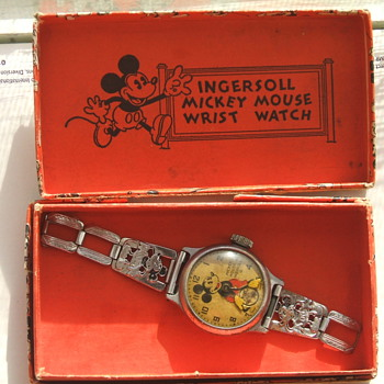 1933-34 Mickey Mouse Wristwatch - Wristwatches