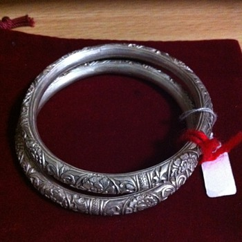 My favorite chinese antique bangles - Fine Jewelry