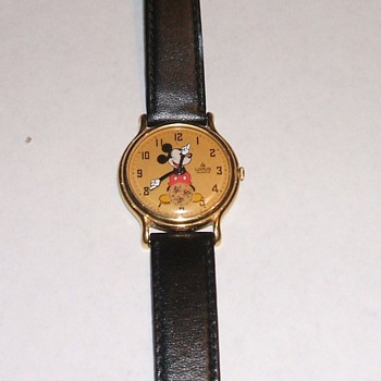 1987-88 Lorus Mickey Mouse Wristwatch - Wristwatches