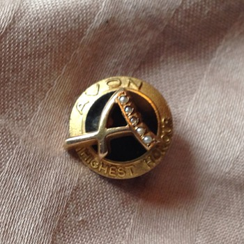 Avon highest honour pin, help with unusual assay marks please?