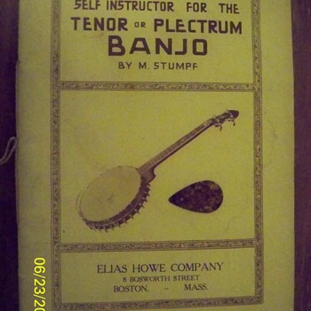 1916 Banjo self instruction manual/with original pick - Music