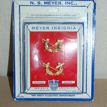 1966 N.S. Meyer Insignia Myrgold Clutch Pin