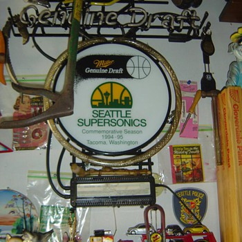 1995 Seattle SuperSonics Neon Beer Sign  