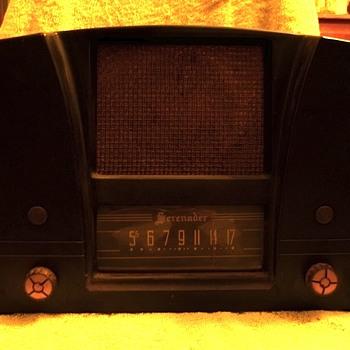 Serenader radio - Radios