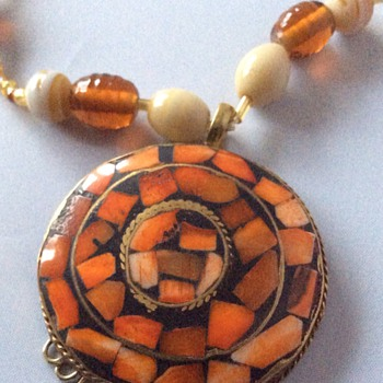 Antique or vintage necklace ?? - Costume Jewelry