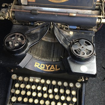 Royal Standard typewriter
