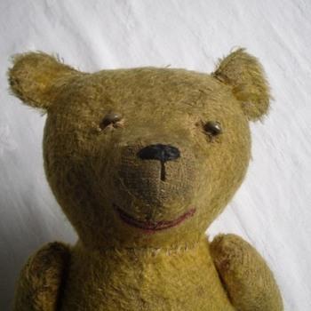 Any idea who made my old bear? - Dolls
