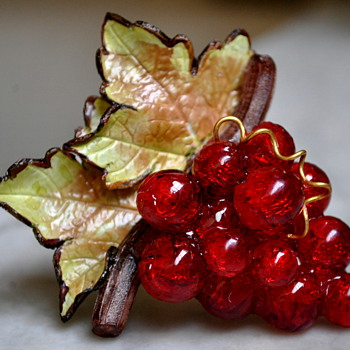 "MARKED ""PARIS"" CARVED CELLULOID OR LUCITE GRAPES WITH LEAVES - Costume Jewelry"