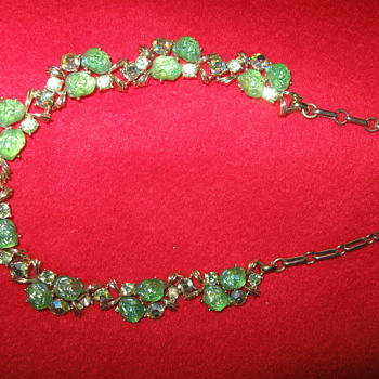 Vintage-Antique Necklace - Costume Jewelry