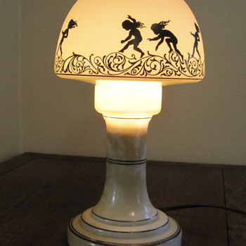 Boudoir lamp with frosted silhouette shade