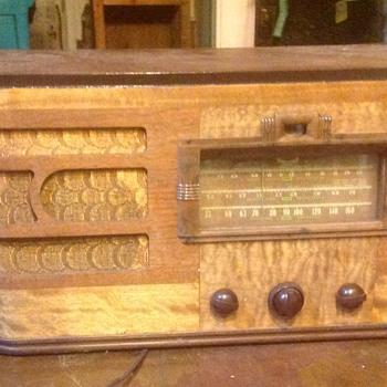 Vintage radios. Etc - Radios