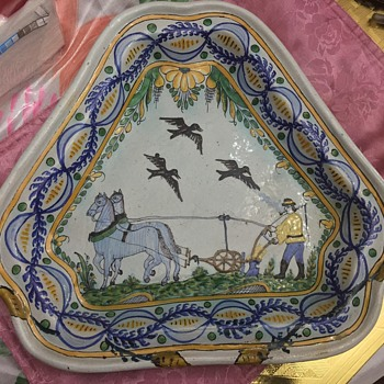 Quimper HR Faience Tin - Ware Earthenware Pottery Plate Hand Painted Antique , Please comment