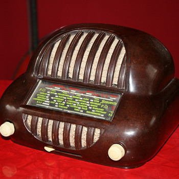 Sonorette bakelite radio