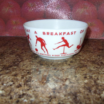vintage 1930s breakfast of champions wheaties milk glass  cereal bowl - Kitchen