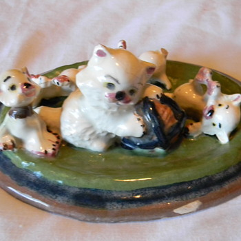 porcelain kittens display piece