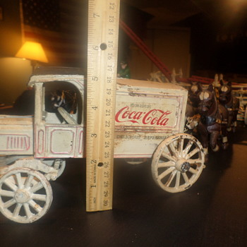 coca cola carriage toy with horses