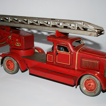 Distler Fire truck wind up toy - Model Cars