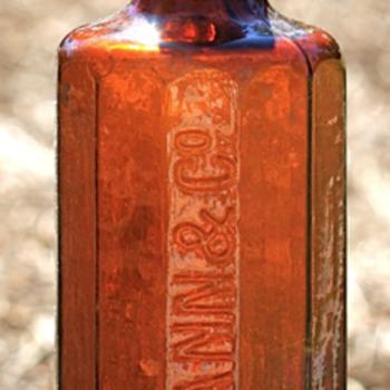 <<<<Twelve Sided Whiskey Bottle>>>> - Bottles