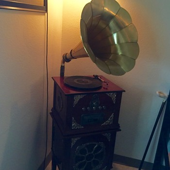 Phonograph with Matching Bass Stand Amplifier, Unknown Brand - Electronics