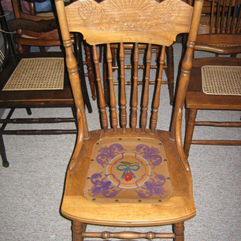 Nice pressed back spindle back chair. - Furniture
