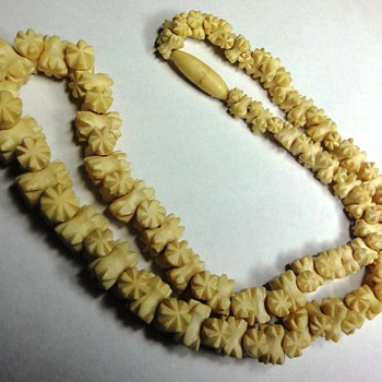 Vintage Ivory  or Ox Bone nice carved necklace - Art Deco