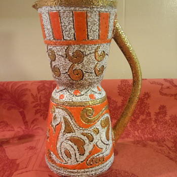 I love this piece but Is this right? - Art Pottery