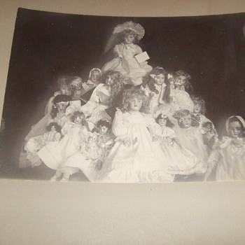 Photograph of large collection of dolls
