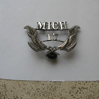 Mich 17 cap badge.. - Military and Wartime