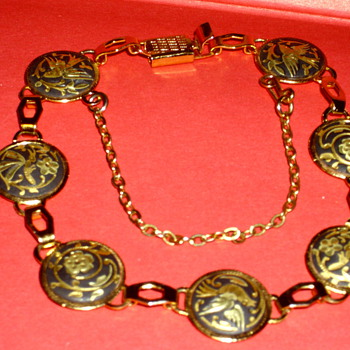 Antique Bracelet with Pretty Pictorials  - Fine Jewelry