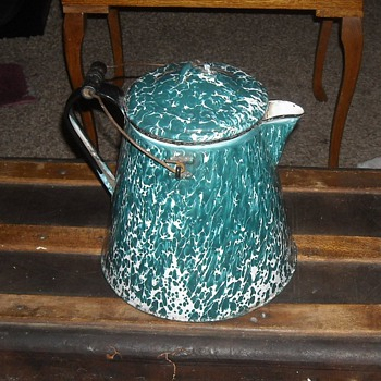 Large Enamelware/Graniteware Chrysolite Coffee Pot - Kitchen