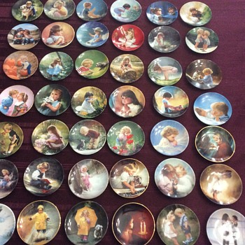 42 mini Donald Zolan plates - Visual Art