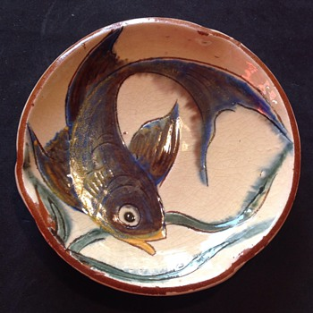 Small Puigdemont dish - Art Pottery