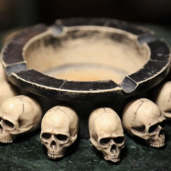 Very Cool Ashtray with Skulls