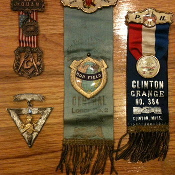 Fraternal Pins and Ribbons