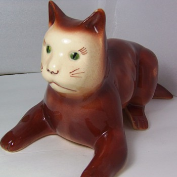 Art Pottery Cat Figure USA - Human nose? Rare?