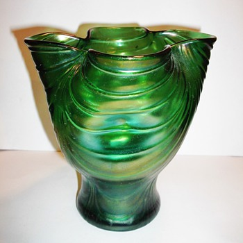 Creta Draped Decor Vase PN-514 c.1900. - Art Glass
