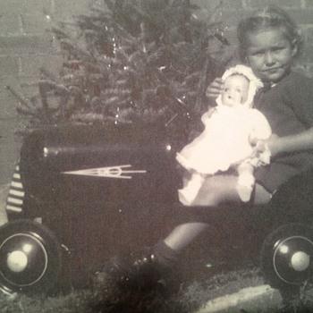 Mom's V8 Pedal Car